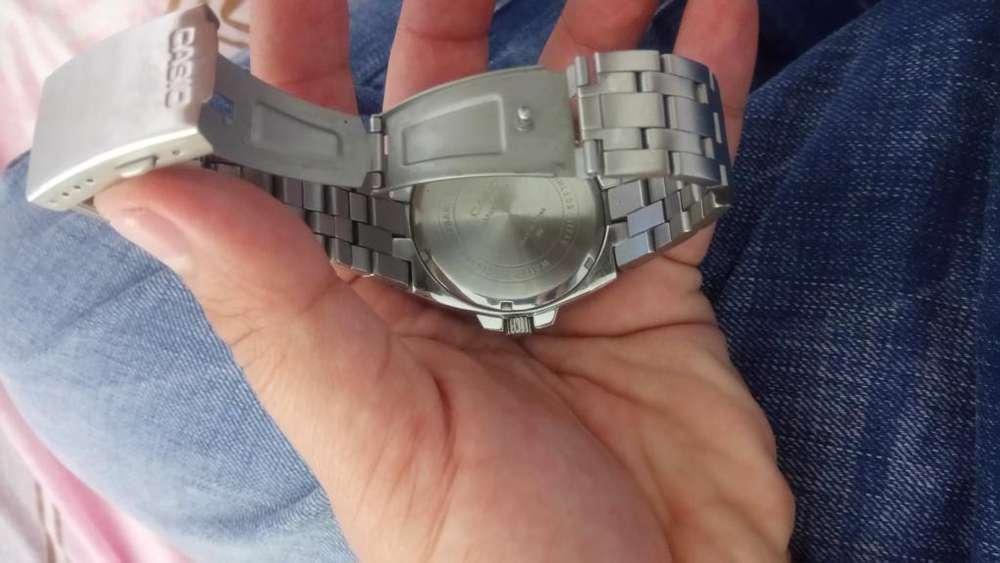 Se Vende Reloj Y Celular