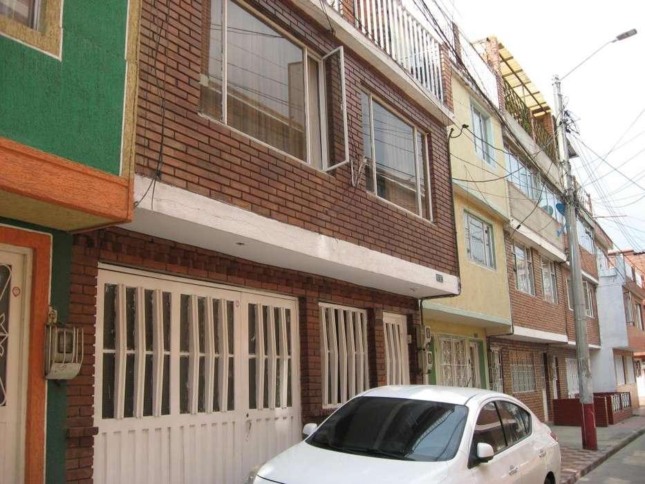 016 VENDO CASA MUY BIEN UBICADA BARRIO EL PALENQUE