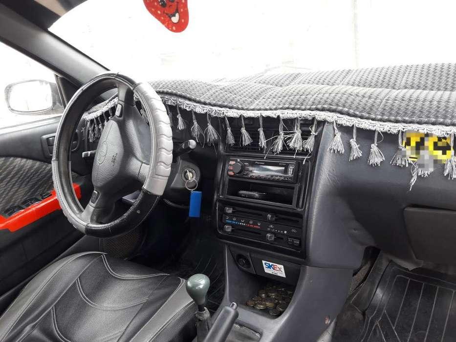 Toyota Otro 2001 - 32000 km