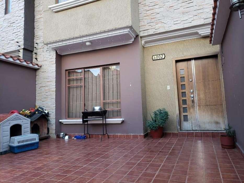 C1270 Casa en venta, sector Cdla los Cantones, 5 habitaciones