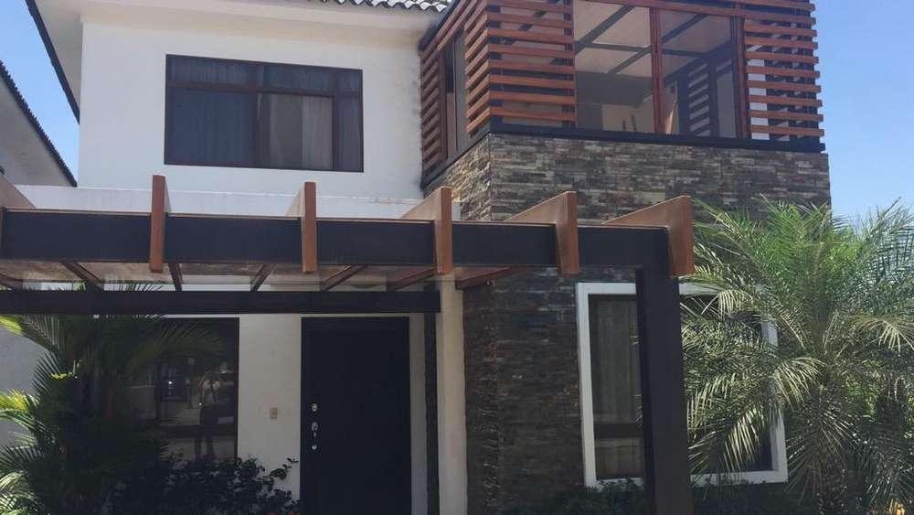 Casa Via a La Costa Urb Punta Esmeralda