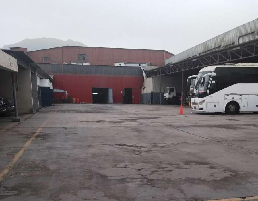 VENTA Local industrial Av. Arriola I2, excelente ubicacion