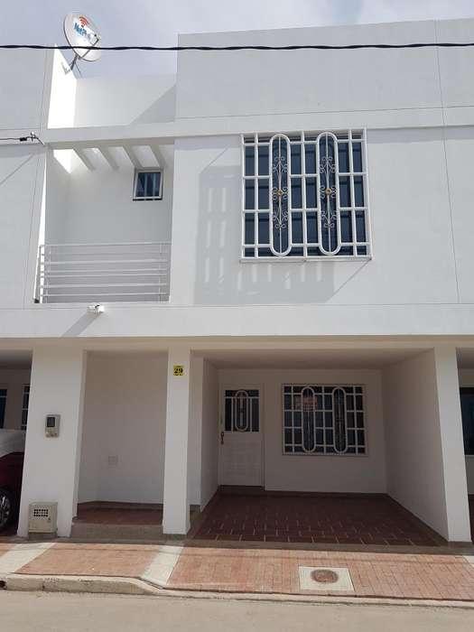 Arriendo <strong>casa</strong> Ubicada en la Urbanización Villa del Riho - B/Portachuelo - Girardot