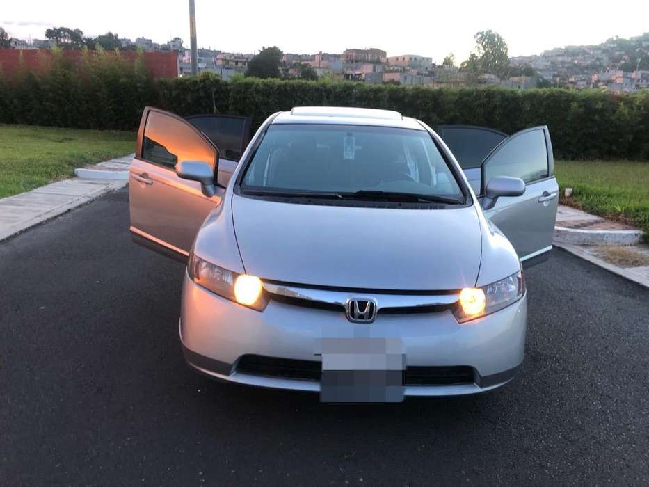 Honda Civic 2007 - 128 km