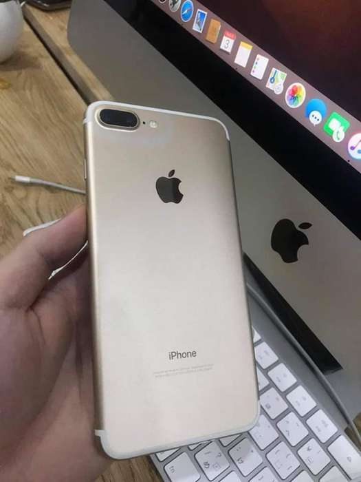 Vendo 2 Iphone. 7 de 32 Bamco . 7 Plus R