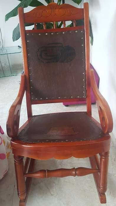 <strong>silla</strong> Cedro Nueva Y Cuero