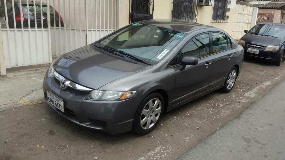 Honda Civic 2009 - 182000 km