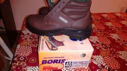 Zapatos de trabajo Boris nuevos !!
