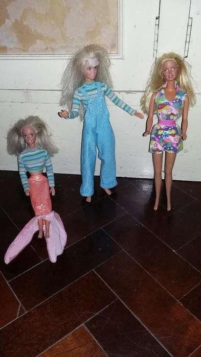 Tres Barbies Hermosas Y Vestidas