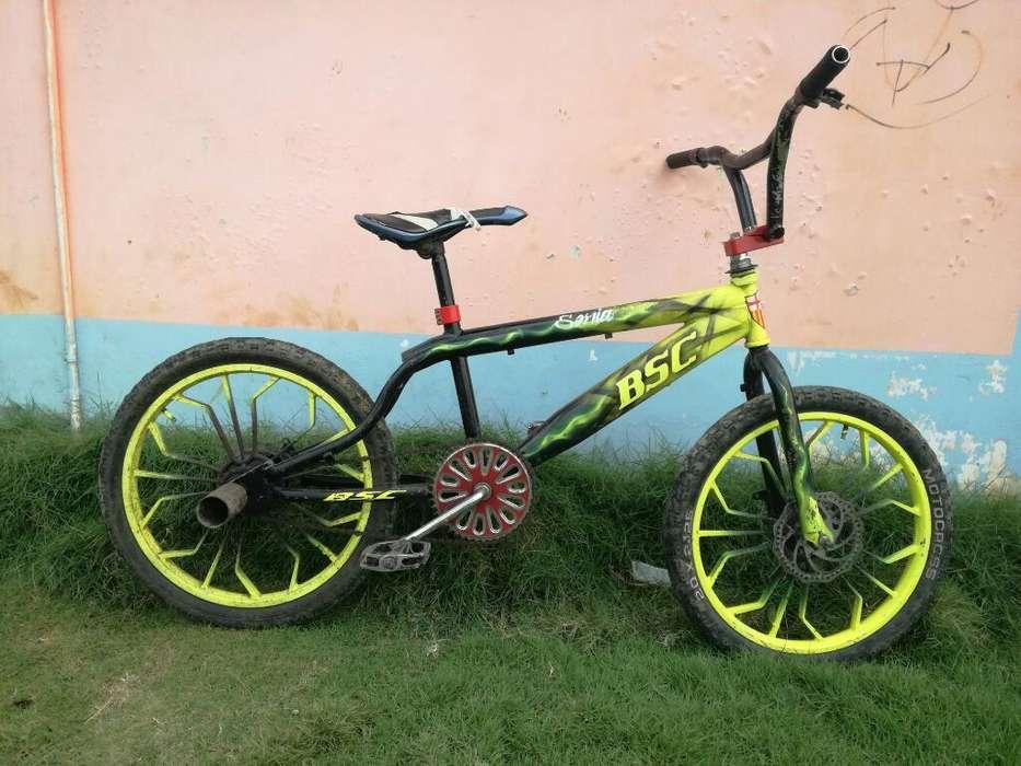 Vendo Bicicleta Grafitiada