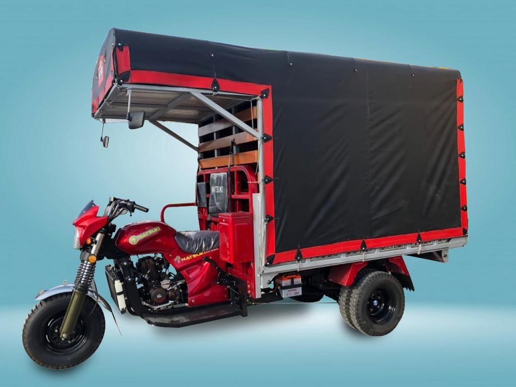Motocarro carpado en estaca