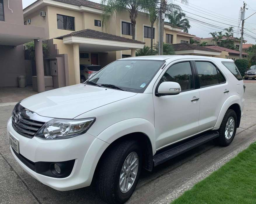 <strong>toyota</strong> Fortuner 2015 - 43526 km