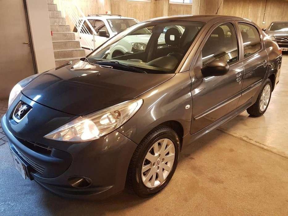 Peugeot 207 Compact 2012 - 109000 km