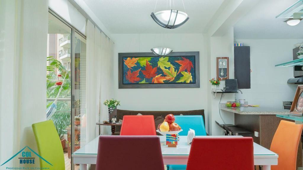 Venta de apartamento en Aviva loma de los bernal