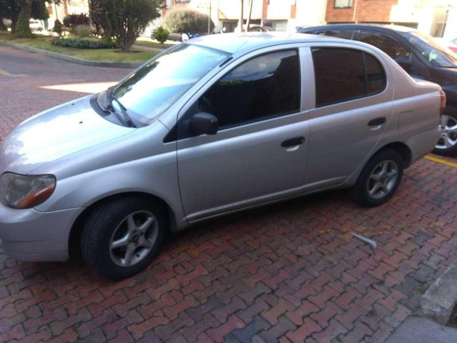 Toyota Yaris 2000 - 142000 km