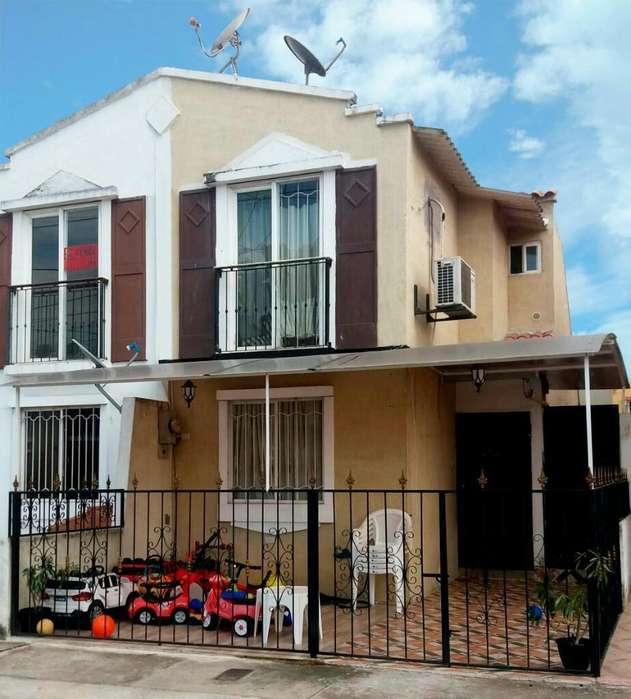 Se Vende Casa en Urb. Santa Inés