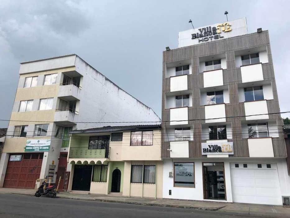 CASA EXCELENTE PARA HOTEL,OFICINAS. ETC AL LADO DEL PUENTE DEL HUMILLADERO 256MT2