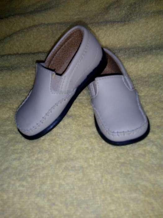 Zapatos Mocasines de Bebe Cali