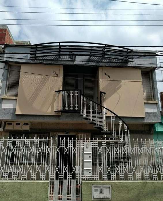 Vendo Casa Multifamiliar en Panamericano