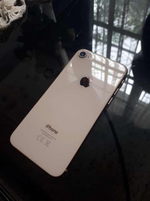 iPhone 8 de 64Gb en Caja Completo Libre