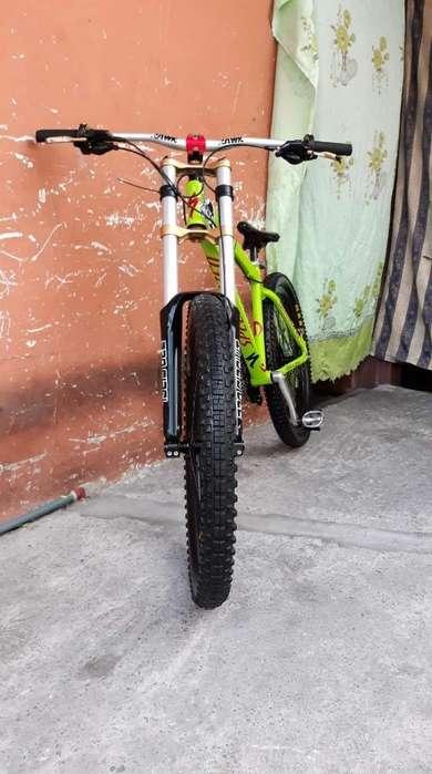 Vendo Mi Bike de Donwhill Muy Poco Uso