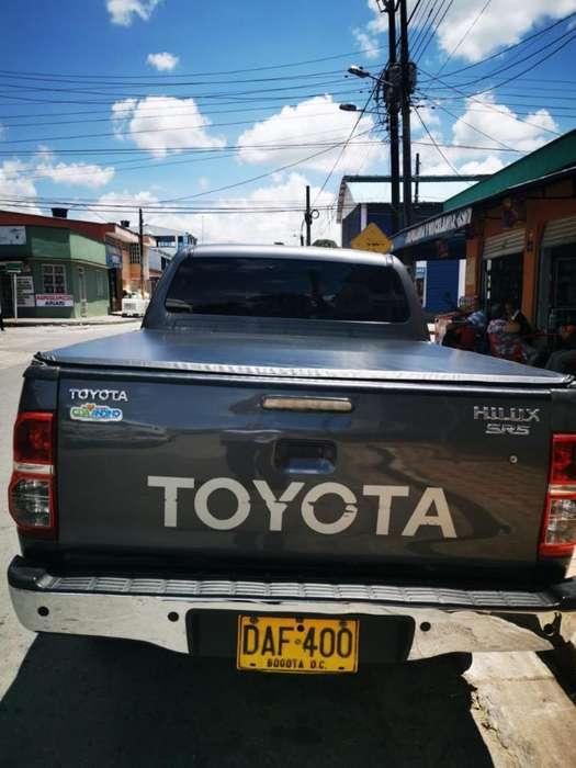 Toyota Hilux 2009 - 166071 km