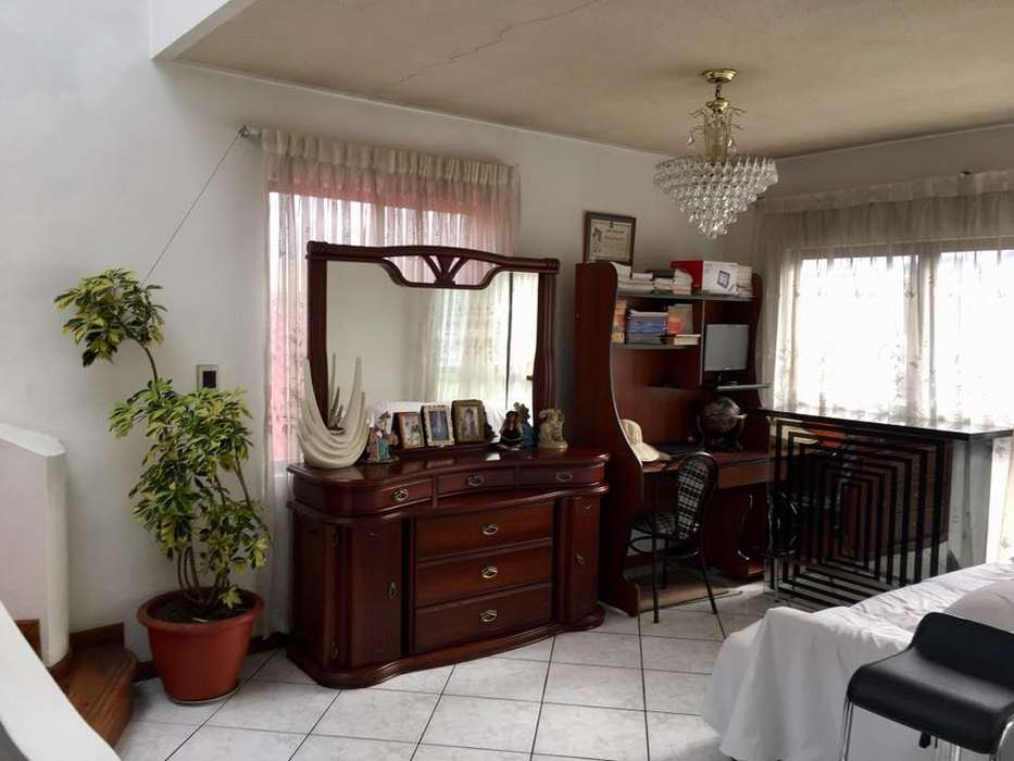 Casa en Renta Ideal para Institución u Hostal Sector Coliseo Jefferson Perez