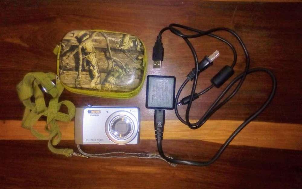 Cámara Fotográfica Casio 5x Catorce Mp