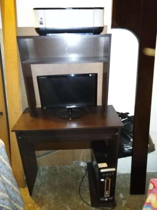 Vendo Computador con Impresora Y Mesa