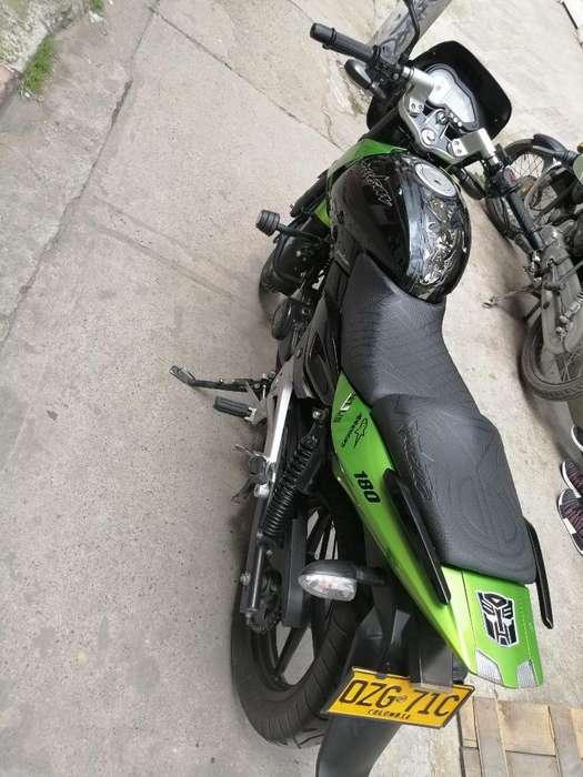Vendo Moto Pulsar Modelo 2012