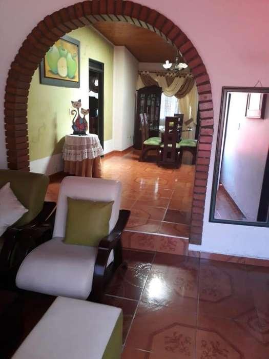 Vendo Hermosa Casa muy Amplia en el Barrio Ambala - Ibagué, Tolima