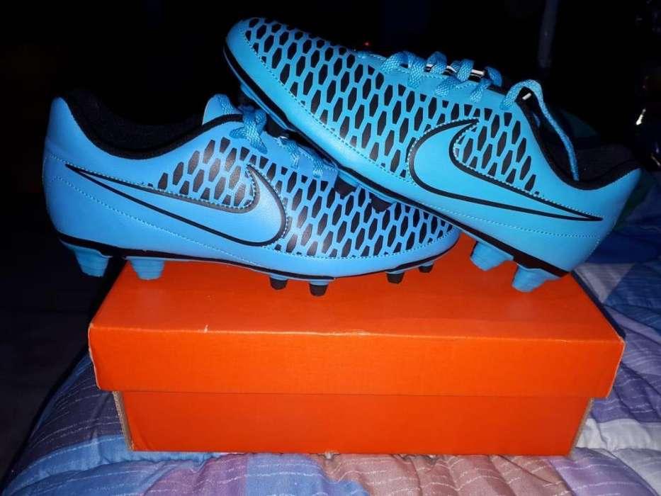 Botines Nike 1200