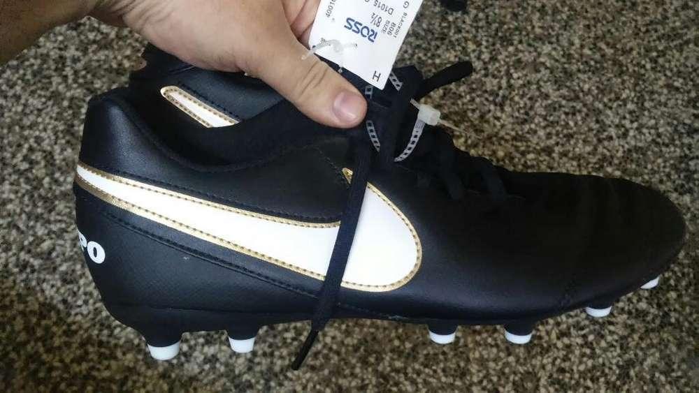 Botines Nike N40 sin Estrenar