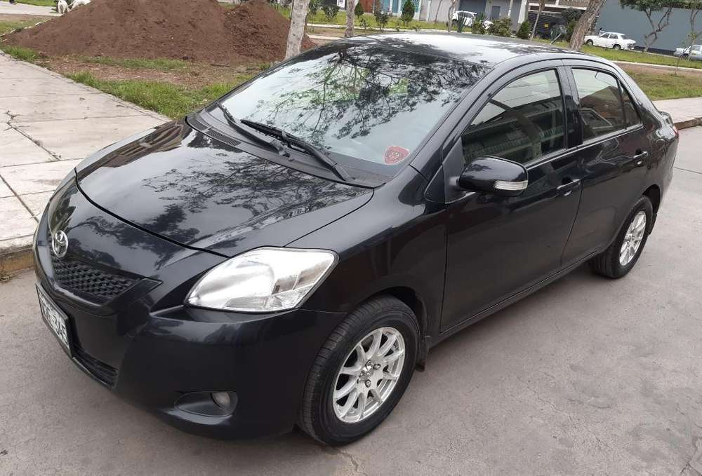 Toyota Yaris 2013 - 72000 km