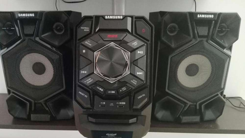 Equipo de Sonido Usado Minicomponente Giga Sound