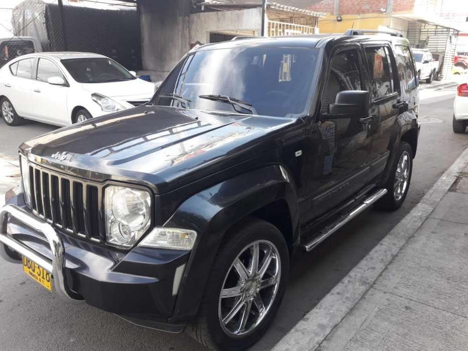 <strong>jeep</strong> Cherokee 2009 - 10000 km