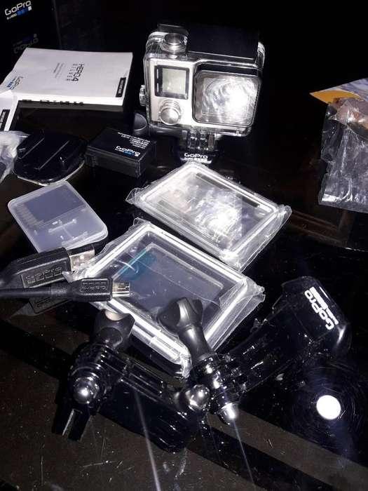 Vendo Cámara Gopro Hero4 Silver.