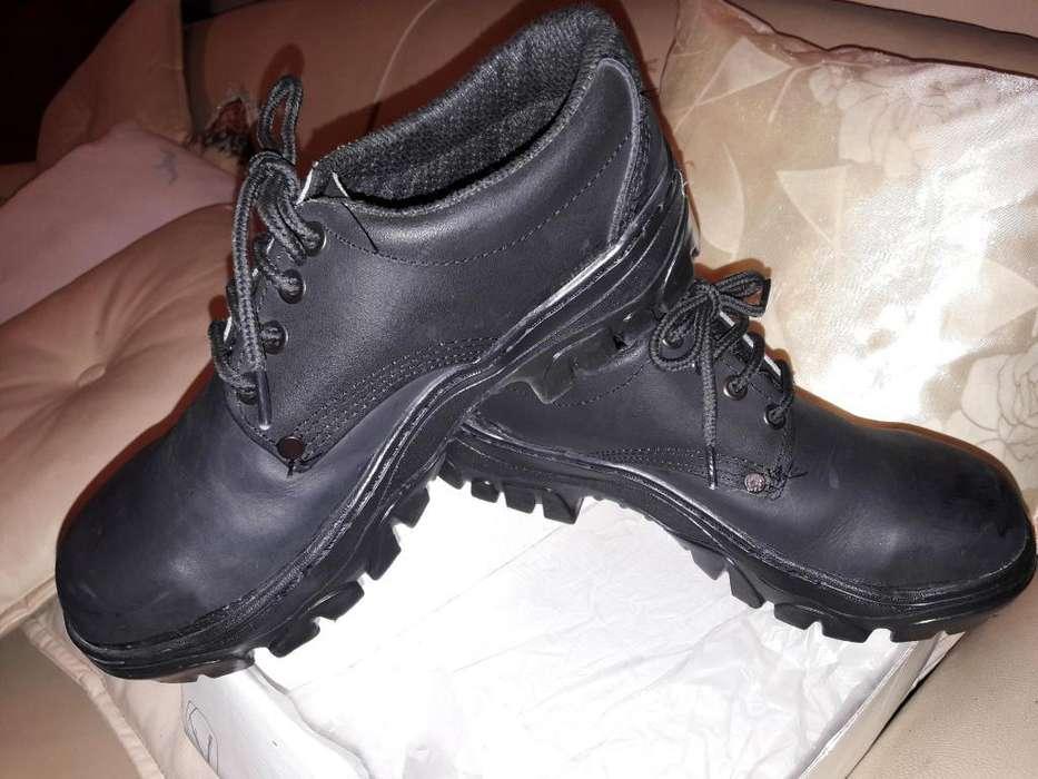 c63449060 Zapatos botines tipo borcegos para hombre N 38 plantilla 25 cm.