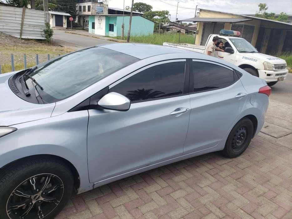 Hyundai Elantra 2013 - 100000 km