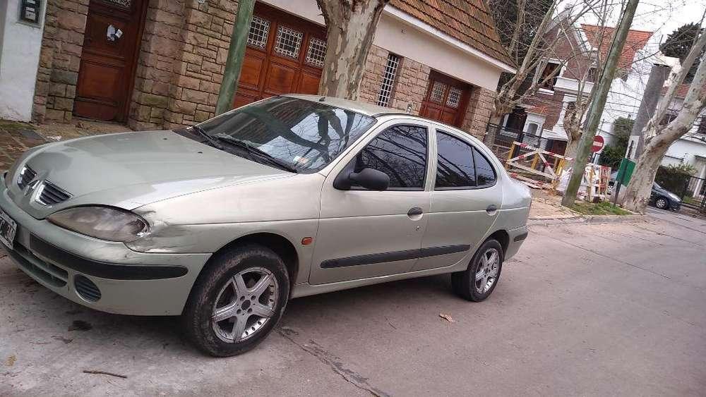 Renault Megane  2001 - 11111 km