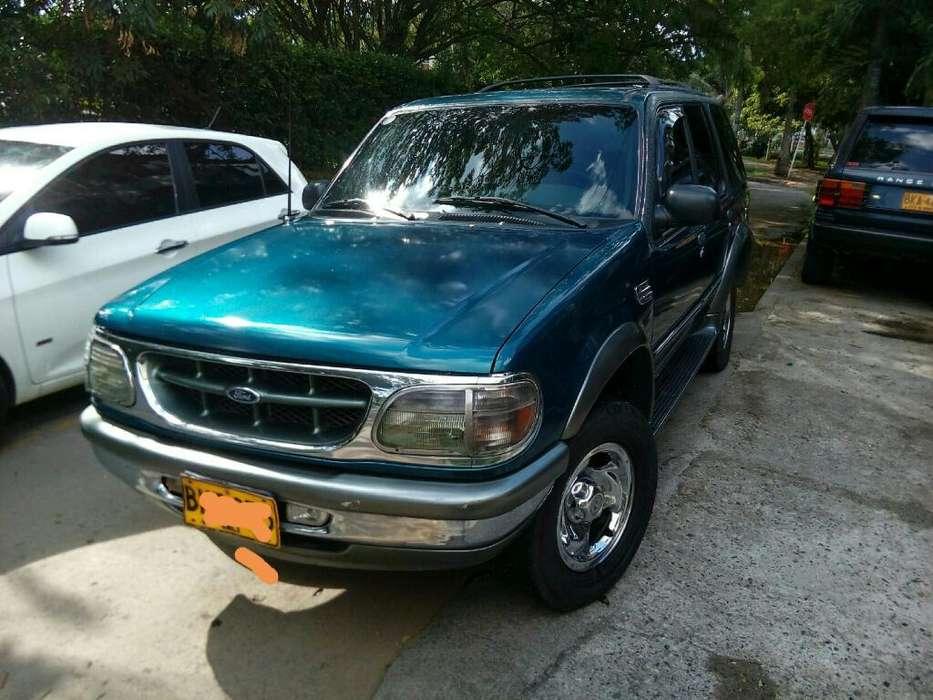 Ford Explorer 1999 - 13800 km