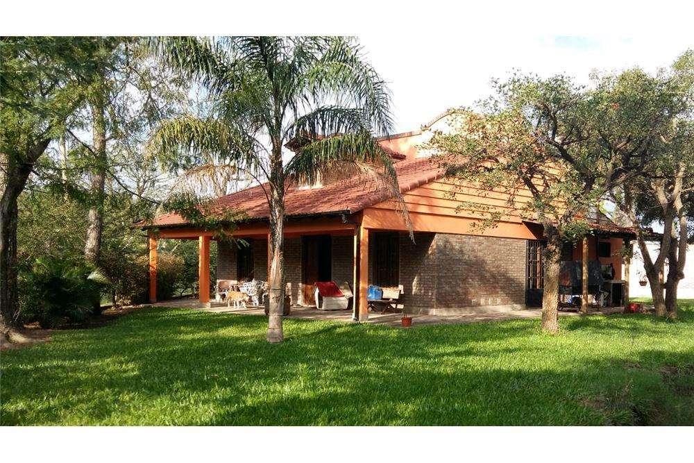 Casa Quinta ubicada a 50 mts del Río. Sauce Viejo.
