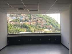 Venta De Oficina En  Edificio The Point, en el Puerto Santa Ana