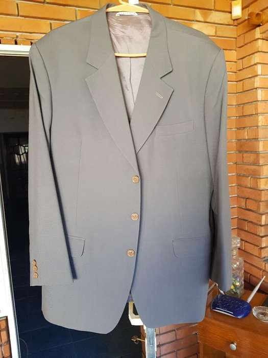 <strong>traje</strong> Ambo Gris , Talle Mediano