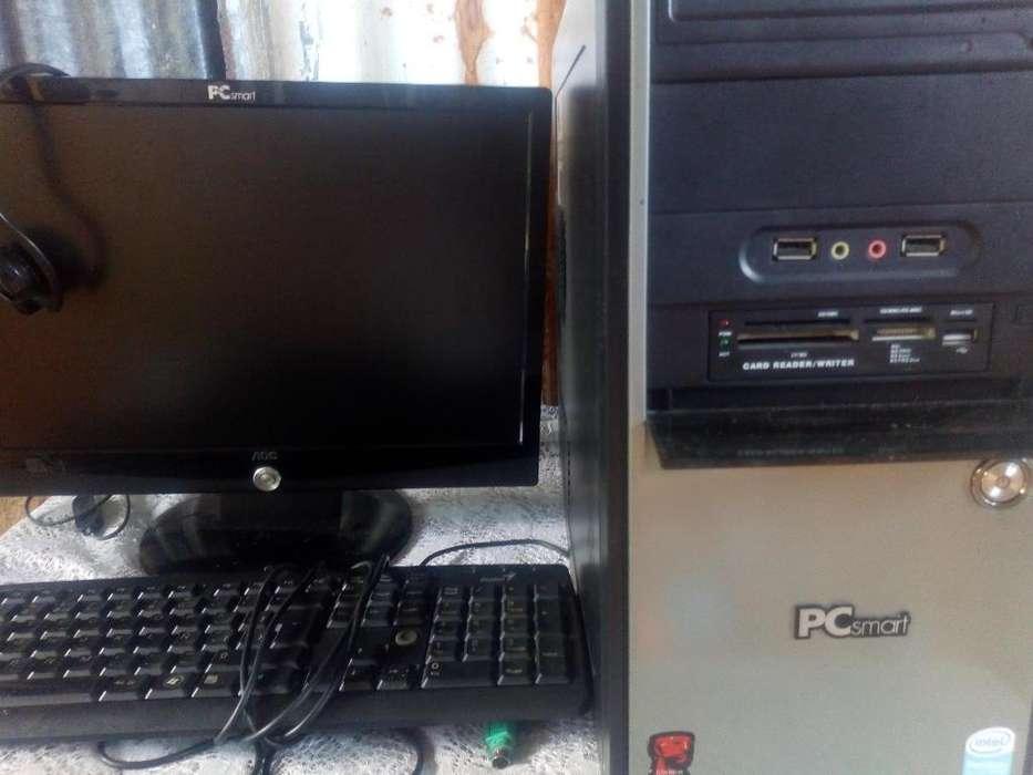 2 Computadores de Mesa en Buen Estado