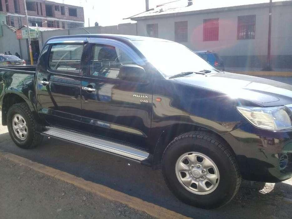 Toyota Hilux 2014 - 85 km