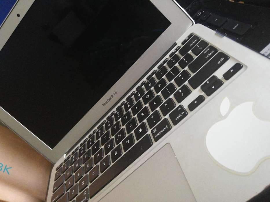 Macbook Air 11'core I5