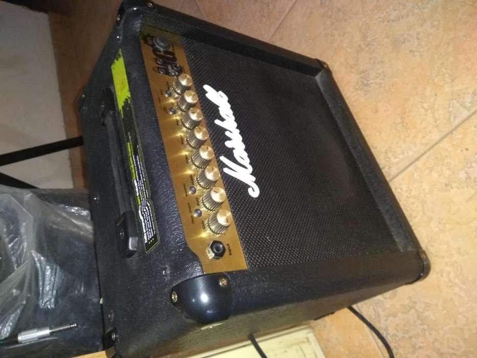 Amplificador Marshall MG 15 FX