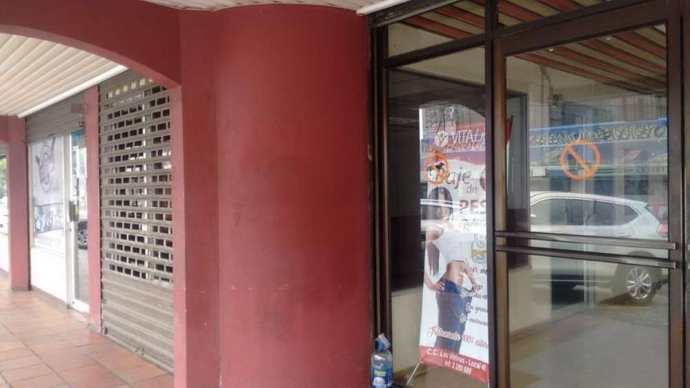 Se vende <strong>local</strong> esquinero en el centro comercial Las Vitrinas-vieja Kennedy alado del Policentro