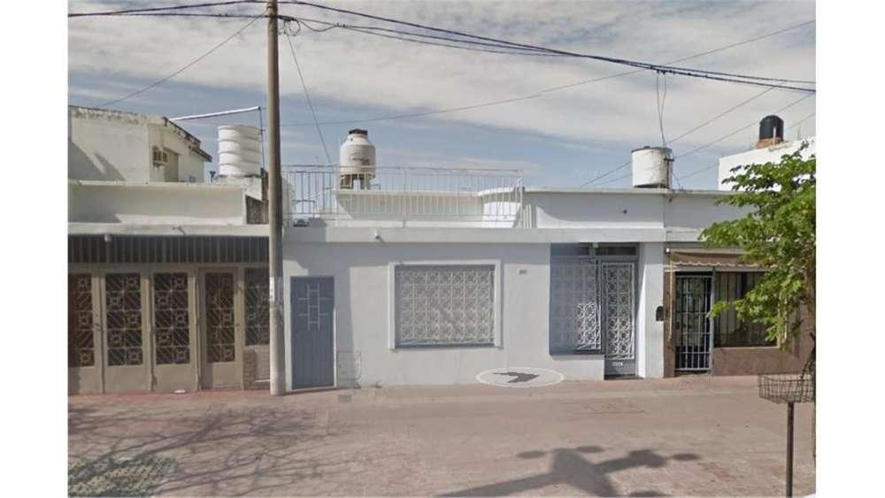Av. Sabattini 4200 - UD 125.000 - Casa en Venta